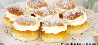 Shrove Tuesday buns threatened by unions