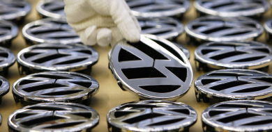 VW welcomes Porsche takeover while thinking global