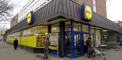 German discount grocery chain spies on employees