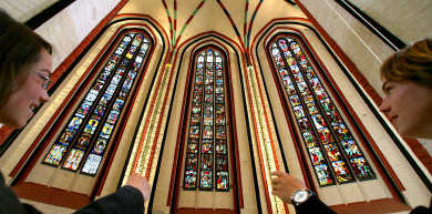 Russia to return looted WWII church windows to Germany