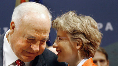 Former German Chancellor Kohl to marry
