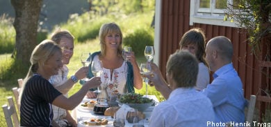 Poll: Swedes prefer paying high taxes