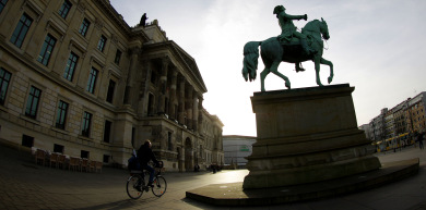 Germany rebuilds palaces long destroyed by war