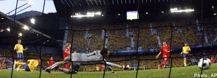 Sweden knocked out of Euro 2008