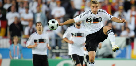 Tottenham and Juventus reportedly interested in Podolski