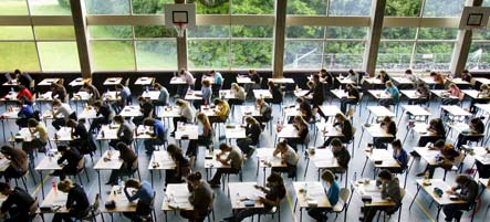 Cheating scandal forces 28,000 Berlin students to retake exam