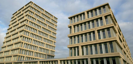 Feds mulling total move from Bonn to Berlin
