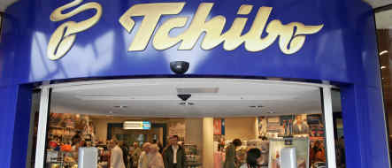 Tchibo to try bigger stores