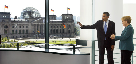 Obama plays down expectations before Berlin speech