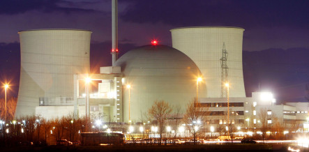 Merkel calls for slower nuclear phase-out