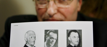 Nazi hunters say German judge blocking search for 'Dr Death'
