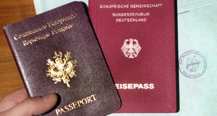 More Germans getting dual citizenship abroad