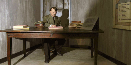 Files show amateur UK diplomat tried for deal with Hitler