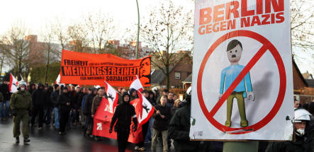 NPD outnumbered on Berlin streets over Hindu temples