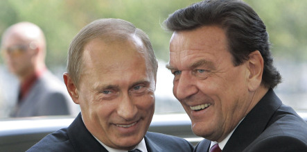 Schröder blames Georgia for crisis with Russia