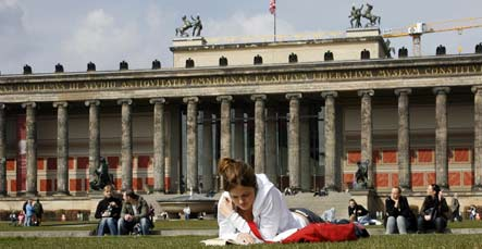 Germans aren't freaking out about financial crisis
