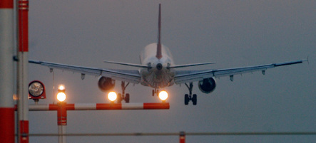 Engine problem forces holiday jet to stop in Belgrade