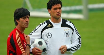 Ballack to apologise for remarks about Löw