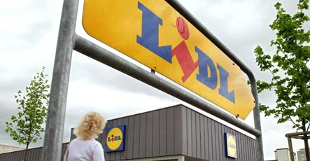 Lidl apologises for poisoning trashed food