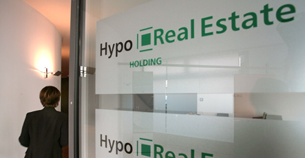 Hypo Real Estate to shed nearly half its workforce