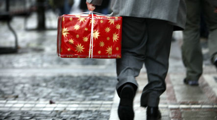 Recession catches up with consumers