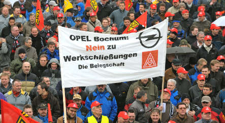 Opel workers protest GM cutback plans