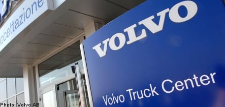 Volvo Group to boost executive pay despite losses