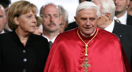 Merkel: Pope's comments on Holocaust denial 'insufficient'