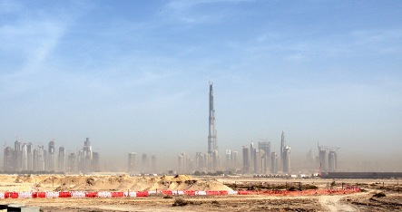 Naked German tourist goes for a walk in Dubai