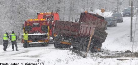 Heavy snow catches Sweden off guard