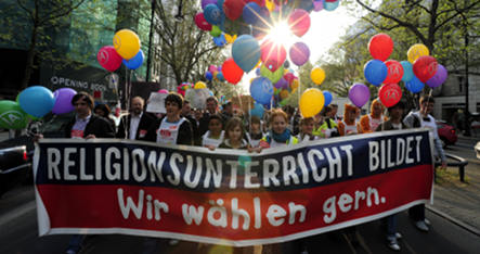 Berliners vote on religious education