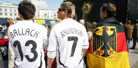 Customs officials seize millions of fake football shirts