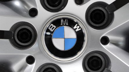 BMW reports first-quarter loss, but shares surge