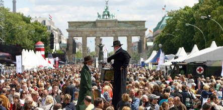 Germany marks 60th birthday with Berlin street party