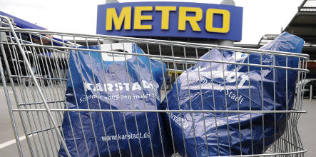 Retailer Arcandor in talks with rival Metro about possible tie-up