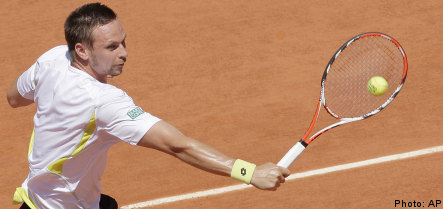 Söderling cruises into French Open semi final