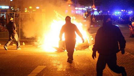 Hamburg street festival ends with riot