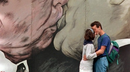 Germans reduce kissing to avoid A/H1N1 virus infection