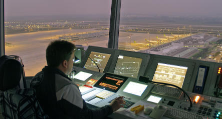 Frankfurt air traffic officials suspended for close call