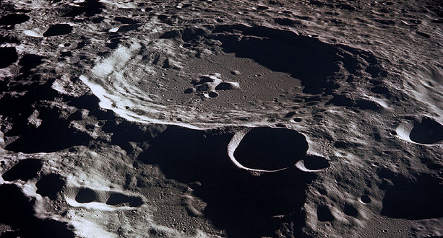 Space official backs German moon mission