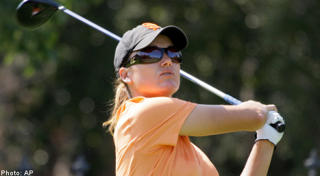 Eagle by Gustafson helps seal win at LPGA Challenge