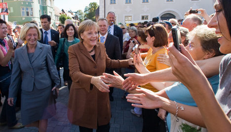 Merkel starts to actively court female voters
