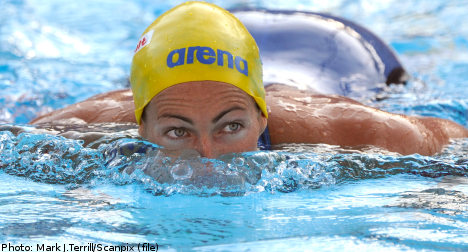 Swedish swimmer sets double world records