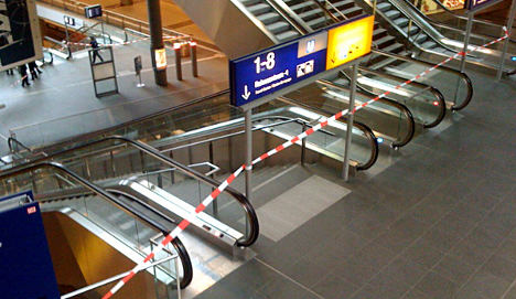 Suspicious suitcase causes bomb scare at Berlin's central station