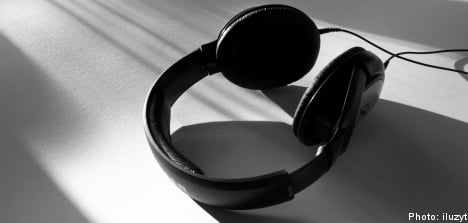 Court overturns ruling in audio book piracy case
