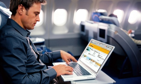 Lufthansa revives offer of mile-high web surfing and text messaging