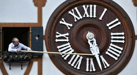 Clocks go back amid rising winter-time discontent
