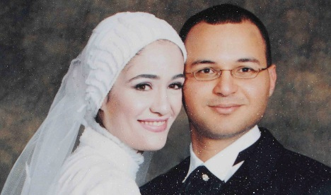 'Veil martyr' family pursues court officials