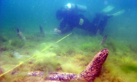 Archaeologists recover mediaeval shipwreck from Lake Constance