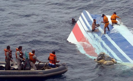 German families to sue French aviation over crash off Brazil